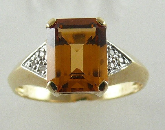 Citrine 2.03ct Ring with Diamonds 0.02ct 14k Yellow Gold