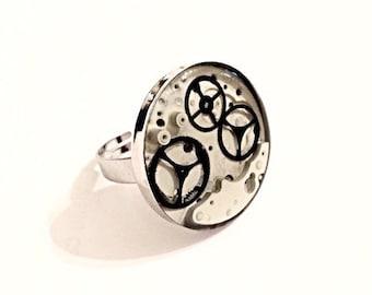 Adjustable resin ring gear clock
