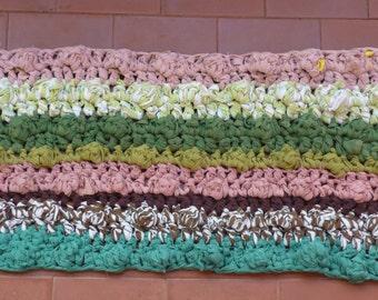 Petals crochet rug