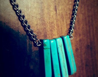 Assymmetrical turquoise drop necklace