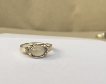 Beautiful sterling silver ring with stone.