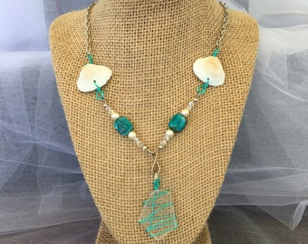 Shells and sea glass pendant necklace