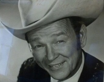 Signed Publicity Photo of Roy Rogers