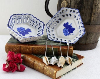 Vintage porcelain bowls with skewers Set 6 parts . Mediterranean from Croatia crafted from Hamburg