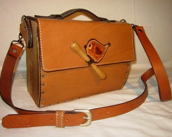 "Bag leather and wood ""Wren"""