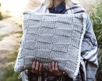 Knitting Pattern - Checkerboard Pillow Case