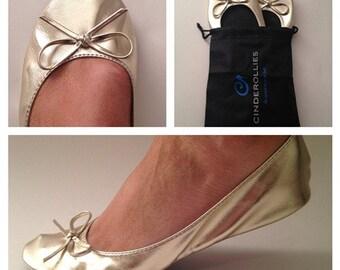 bridesmaid gift, bridesmaid gift ideas: Cinderollies bridal party gifts, bridesmaid flats, ballet flats wedding, ballet flat, foldable flats