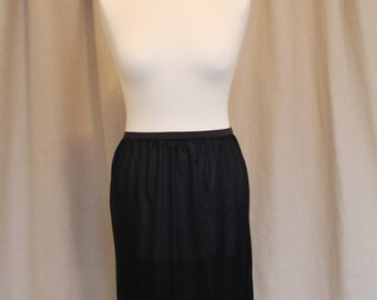 Gorgeous Black 1960s Nylon Half Slip With Lace Trim And Side Split. Medium