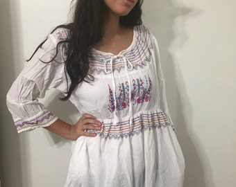 Vintage White Mexican Tunic  Embroidered tunic size XLarge but fit medium By Too Hot