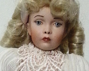 1970's vintage doll/Porcelain doll/long hair doll/collectible doll/Vintage//hand paint doll/birthday present/home decor/girl's room decor