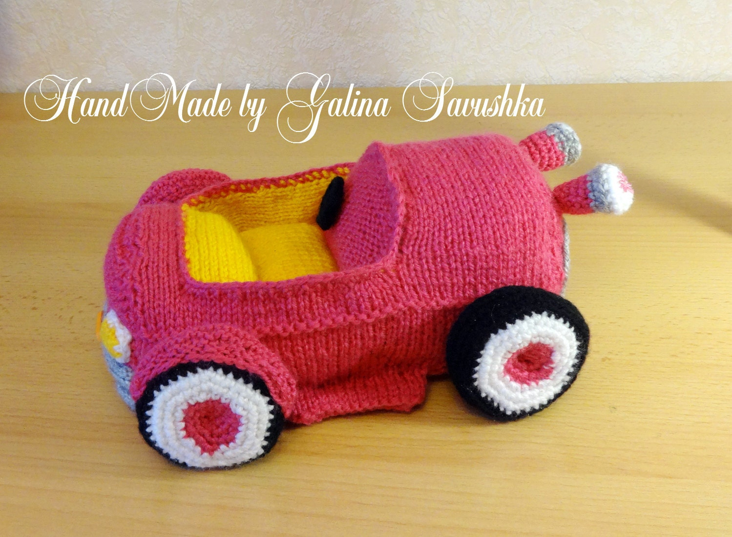 Knitted Car-cabriolet by SavushkaDesigns on Etsy