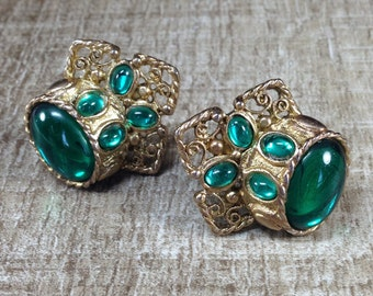 Magnificent Signed Clara Studio Inc Green Bead Vintage Estate Clip Earrings