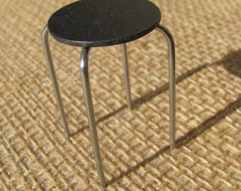 stool (1/12 scale miniature)