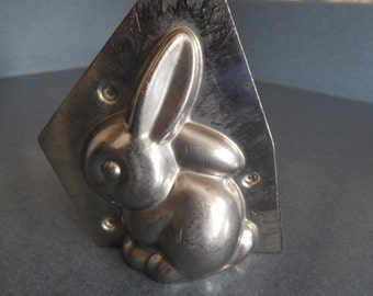 Sitting Rabbit by Weygandt #2 Vintage Metal Candy Mold