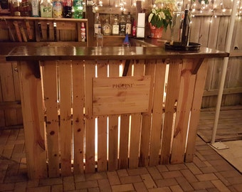 Reclaimed wood pallet bar, indoor/outdoor