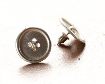 BUTTON EARRING