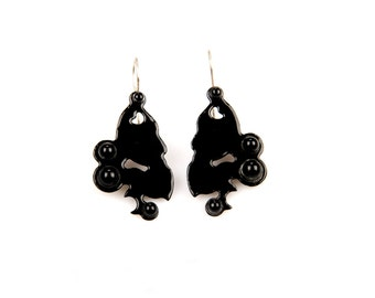 ONIX and enamel earrings