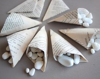 Lot 10 cornets cones origami mariage riz dragées fêtes mariage romeo juliette papier livre roman confettis invités contenant table amour