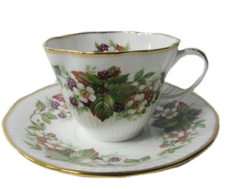 Royal Minster Cup & Saucer, Teacup Set, Vintage Fine Bone China made in England, Grapevine Pattern with Gold Trim, Shower Gift