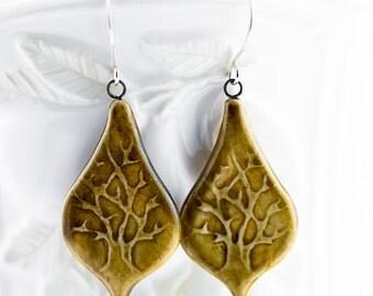 Deep Roots teardrop shape earrings-Toast glaze