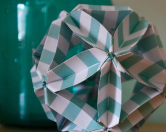 Origami paper ball - Mint and white stripes pattern