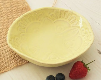 Handmade ceramic bowl, vintage lace, yellow bowl, pottery bowl, breakfast bowl, serving bowl, housewarming gift, dinnerware, kitchen, dining
