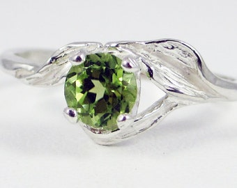 Peridot Leaf Ring Sterling Silver, August Birthstone Ring, Sterling Silver Leaf Ring, Sterling Silver Peridot Ring, 925 Peridot Ring
