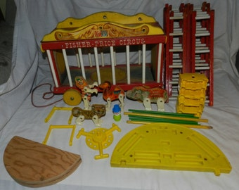 Fisher Price Circus - vintage 1963 - Wagon, Clown, Animals, Ladders  and other parts - Camel, Tiger, Elephant and clown - FP 902         B-A