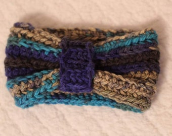 Crocheted chunky bow earwarmer