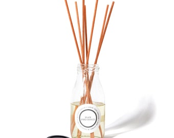 Black Pomegranate 150ml Luxury Hand Poured Glass Bottle Reed Diffuser - 7 Natural Reed Included - Handmade