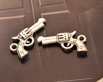 10 antique silver gun charms charm pendant pendants  (X01)