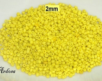 25 gr. Seed beads 2mm yellow opaque (887.15)