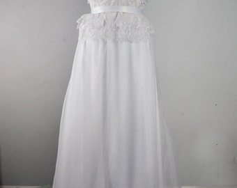Leaf Lace Strapless Wedding Dress