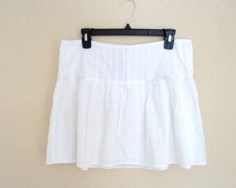 Cotton summer skirt. White mini skirt. Vintage brand Jacob.