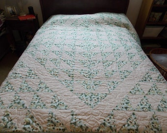 Apple Blossom Full/Double Quilt