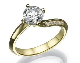 Gold ring with diamond of 0.45 CT