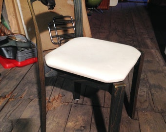 Lot of 6 retro wood chairs