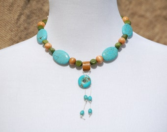 Turquoise Blue, Fern Green and Natural necklace