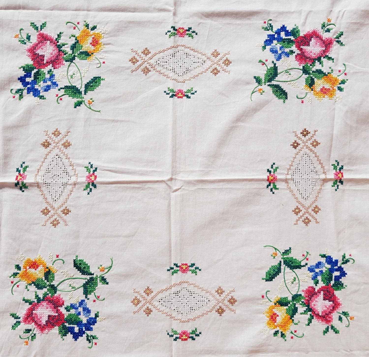 Antique hand embroidery cotton tablecloth cross stitch floral