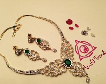 Interchangeable  necklace  set