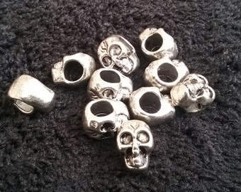 SALE -  10 x Antique silver tone metal Skull Spacer Beads