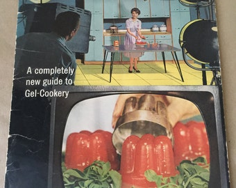 Knox Brand Gelatine Cookbook. Knox On-Camera Recipes Booklet 1962. Jello Mold Cooking