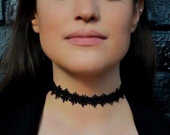 Sophisticated Black Detailed Choker   kaia  