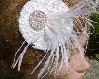 "Fascinator on comb ""Montaigu"", ivory lace, feathers and veil, bridal, wedding"
