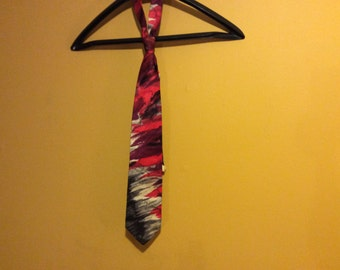 Vintage 100% silk tie made in Italy by Serica