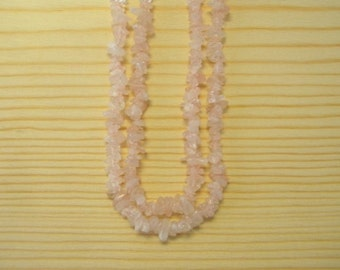 "Women Stone Chip Necklace - Rose Quartz  18"" inches"