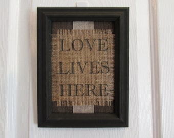 Love Lives Here Wall Hanging