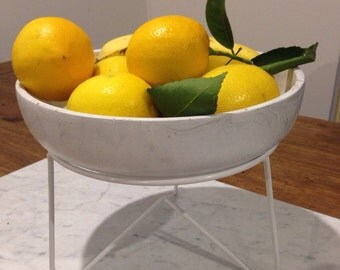 Marble look fruit bowl with stand