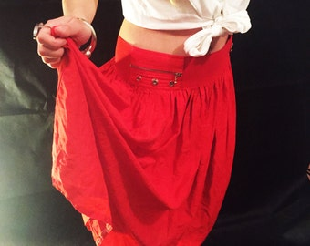 Vintage high waisted red skirt
