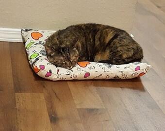 Cat bed with catnip